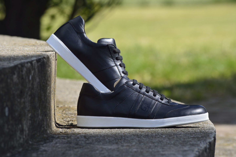 G&T férfi bőr sportcipő - Fekete