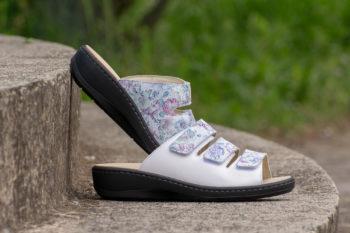 G&T Gerda Fehér - Lila virág női bőr kényelmi papucs