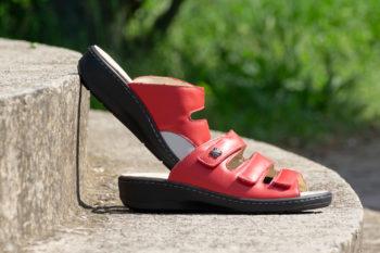 G&T Gerda Piros Extra női bőr papucs a lábujj deformitással rendelkezőknek