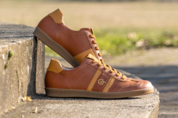 G&T Klasszikus Karamell - Méz bőr sportcipő